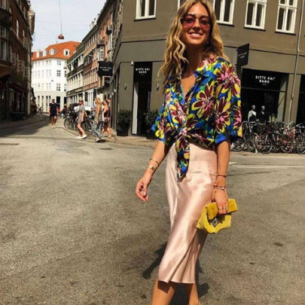 حقيبة كلاتش ملونة لصيف 2019