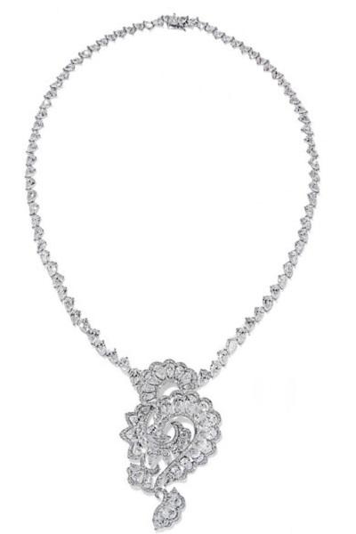 عقد من الماس من شوبارد Chopard