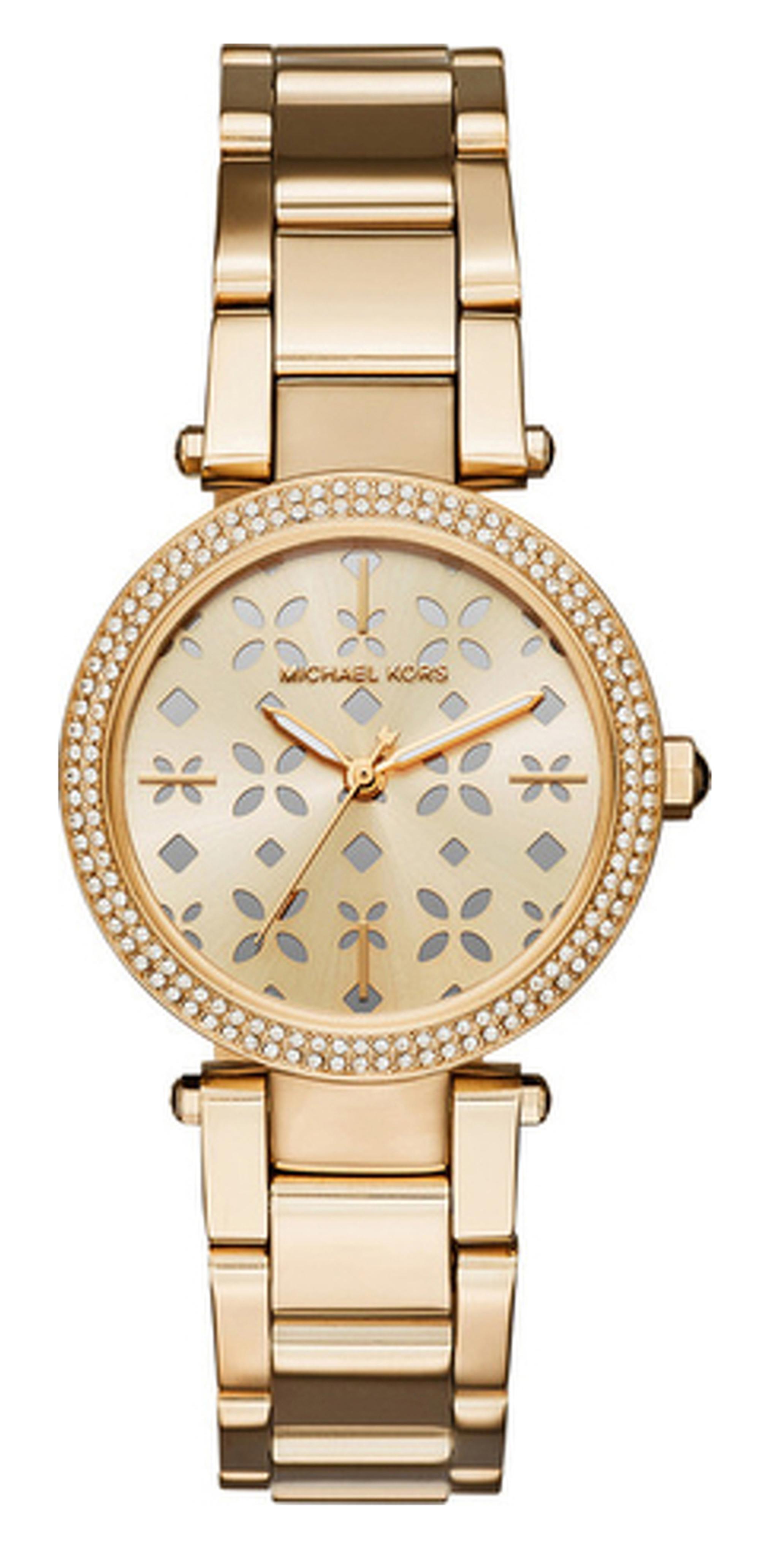 ساعة من الستانلس ستيل باللون الذهبي مع مينا مزينة من مايكل كورس