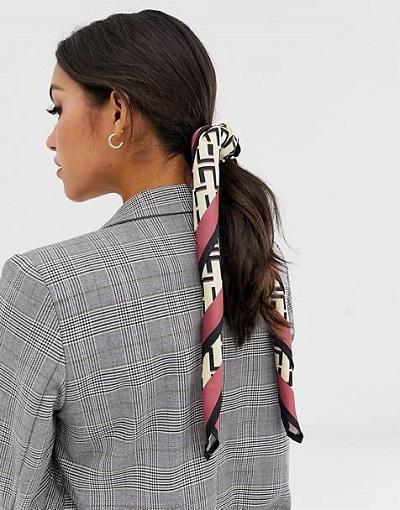 صيحات تنسيق السكارف 2019 بطريقة ربطة الشعر