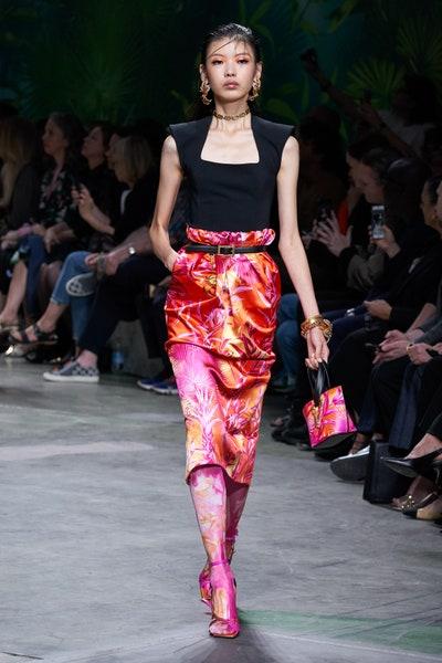 تنورة ميدي بطبعات الأشجار من فرساتشي Versace