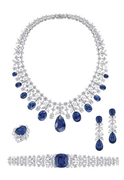 طقم Oceana من الماس والياقوت الأزرق من مجوهرات معوض Mouawad