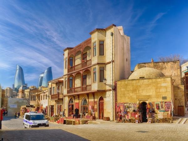 باكو: السياحة في عاصمة اذربيجان