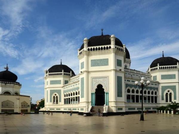 السياحة في اندونيسيا تختصر بـ4 عناوين