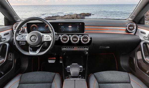 """تقنيات سيارة """"مرسيدس-بنز"""" الجديدة المتطوّرة لا تُضاهى"""