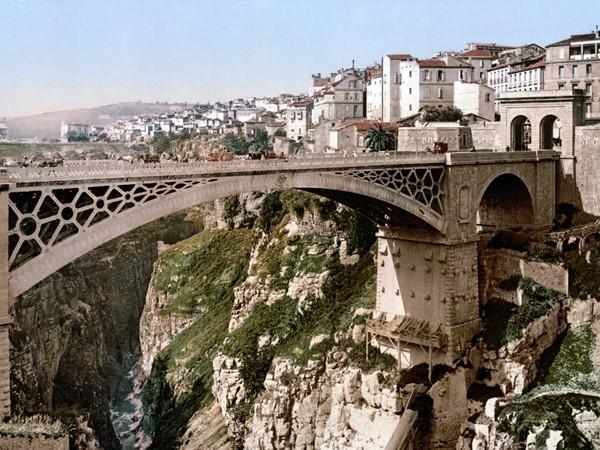 رحلة سياحية بالصور إلى مدينة من أقدم مدن العالم