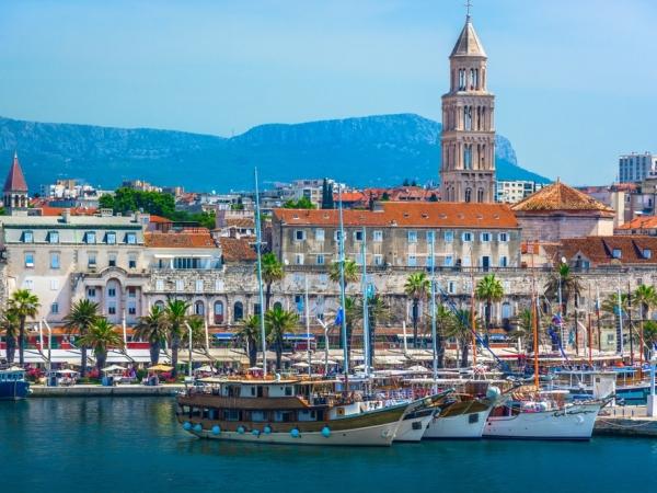 سبليت وجهة صيفية عند السفر إلى كرواتيا