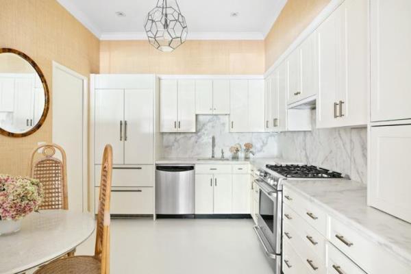 ديكورات مميزة باللون الأبيض لمطبخك