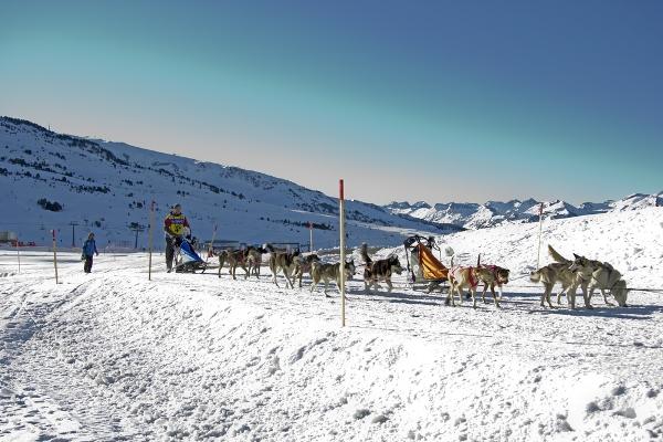 صور سياحة: منتجعات التزلج العائلية الأشهر