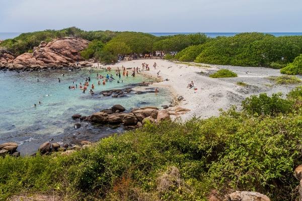 افضل شواطىء سريلانكا في صور