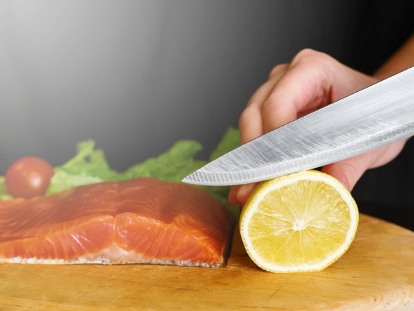 التدبير المنزلي: 3 طرق لسن سكاكين المطبخ