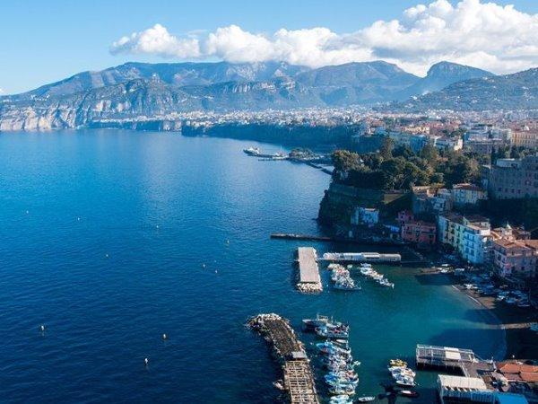 السفر إلى إيطاليا: سورينتو مكان سياحي مفضل في مايو
