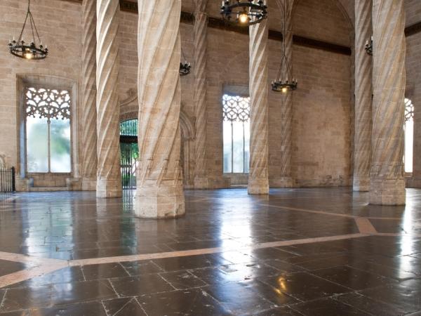 صور: أماكن سياحية شبابية في فالنسيا الإسبانبة