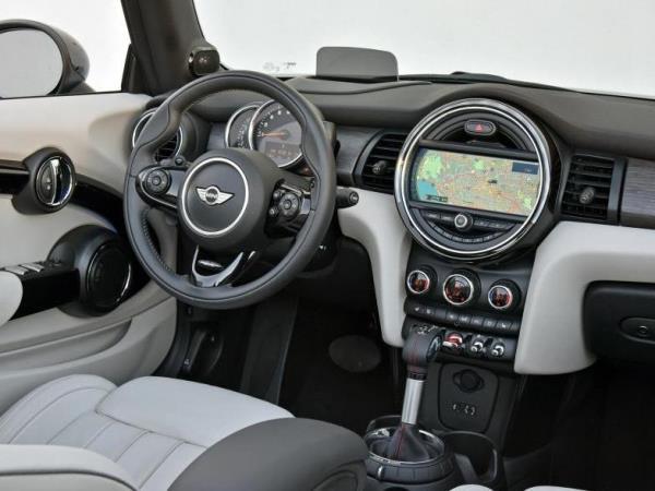 سيارة ميني كوبر الجديدة لقيادة