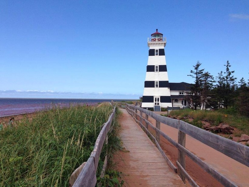 """منارة West Point Lighthouse في """"جزيرة الأمير إدوارد"""""""