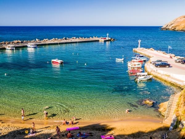 متعة الغوص في ميكونوس عند السفر إلى اليونان