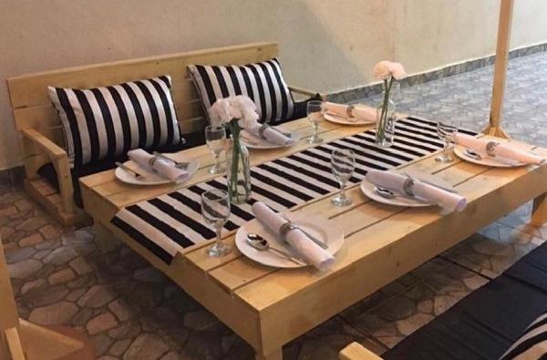 طاولات ارضيه خشب
