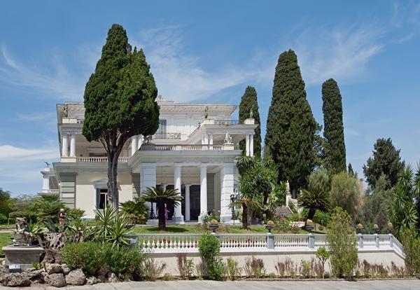 السفر إلى اليونان: السياحة في كورفو في نهاية الصيف