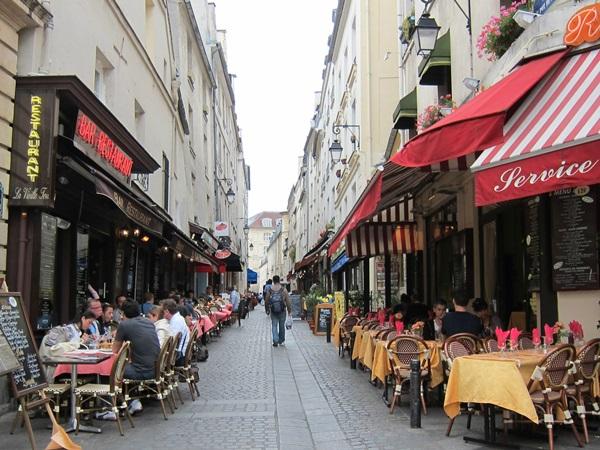 """عناوين باريسية بعيدة عن """"أجندات"""" السائحين"""
