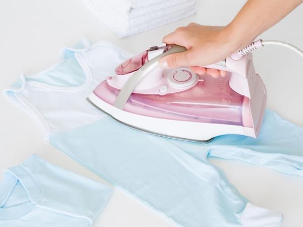 نصائح التدبير المنزلي للعناية بملابس الأطفال