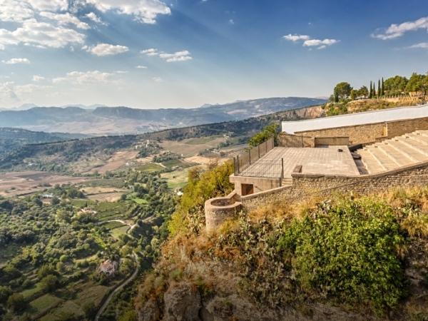 السفر إلى اسبانيا: اماكن سياحية عربية في روندا