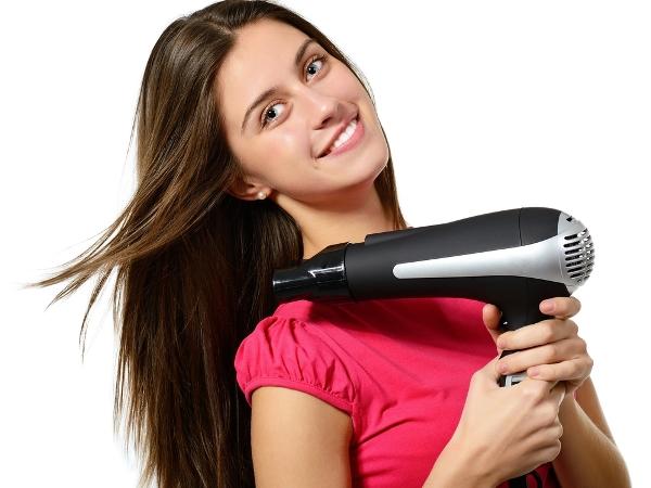 7 استخدامات لمجفف الشعر في التدبير المنزلي