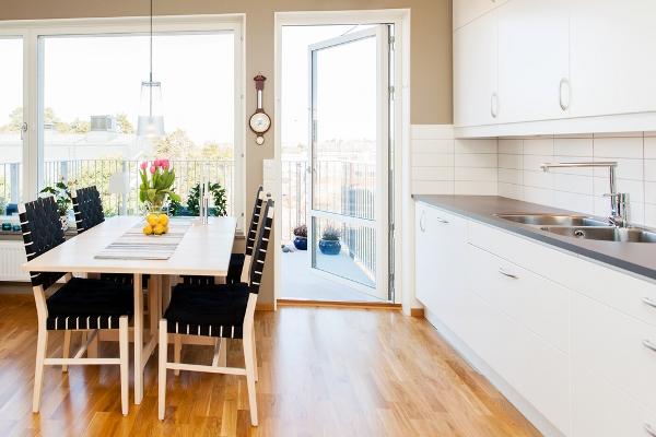 التدبير المنزلي: كيف نتخلَّص من رائحة السمك في المطبخ؟