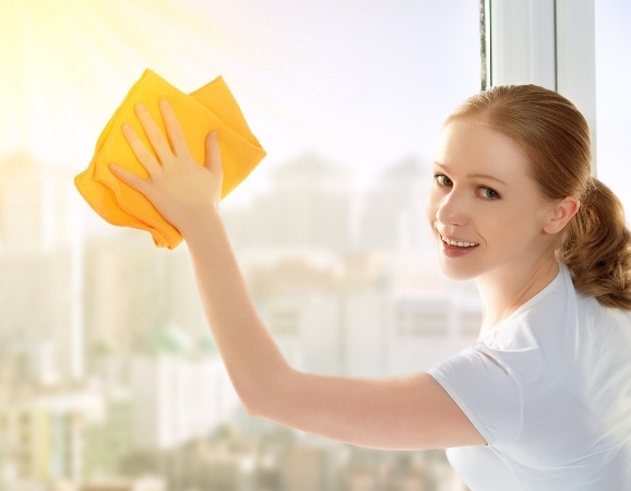 التدبير المنزلي: تنظيف الزجاج وتلميعه بأسرع الطرق
