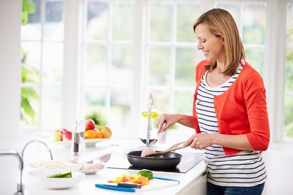 التدبير المنزلي: أخطاء تجنبيها في المطبخ