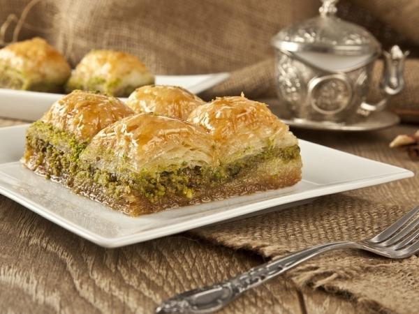 الحلويات العربية في رمضان ومأزق السعرات الحرارية