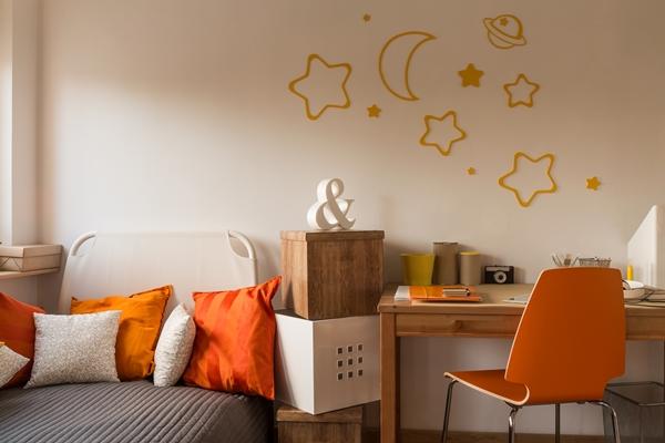 البرتقالي في الديكور المنزلي