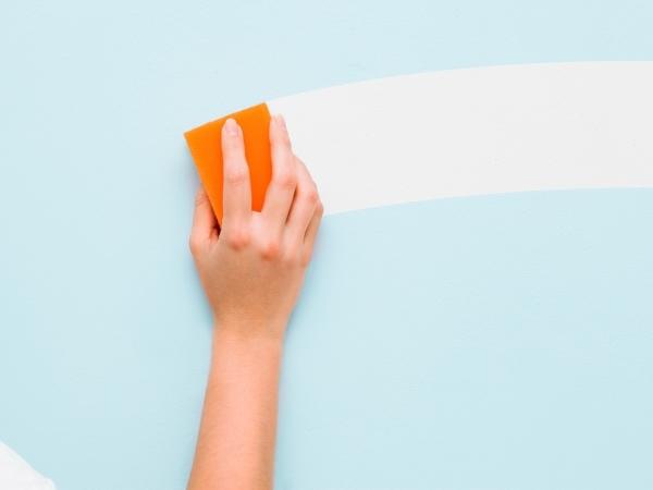 التدبير المنزلي: طرق تنظيف الجدران من الحبر