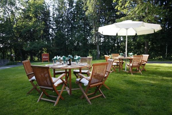 ديكورات حدائق منزلية صيفية Shutterstock_46316449