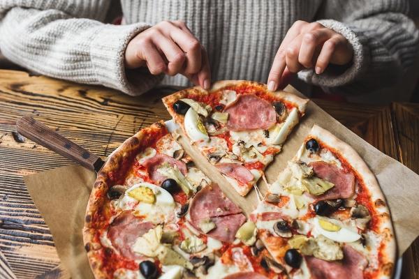 اتيكيت تناول الطعام: البيتزا