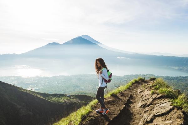 ارتفاع قمة جبل باتور يبلغ 1700 متر