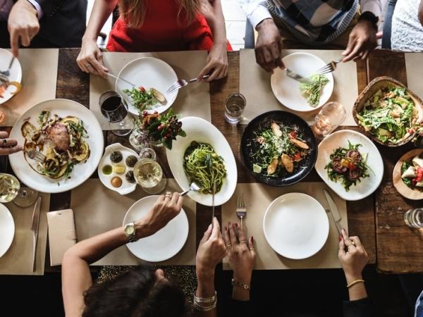 المسموح والممنوع على مائدة عشاء رأس السنة