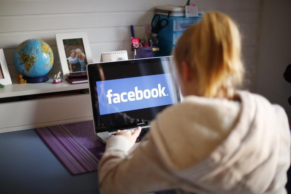 فيس بوك واتيكيت المعايدة بيوم الميلاد