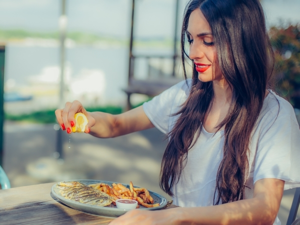 اتيكيت: اداب الطعام والشراب ولباقتك