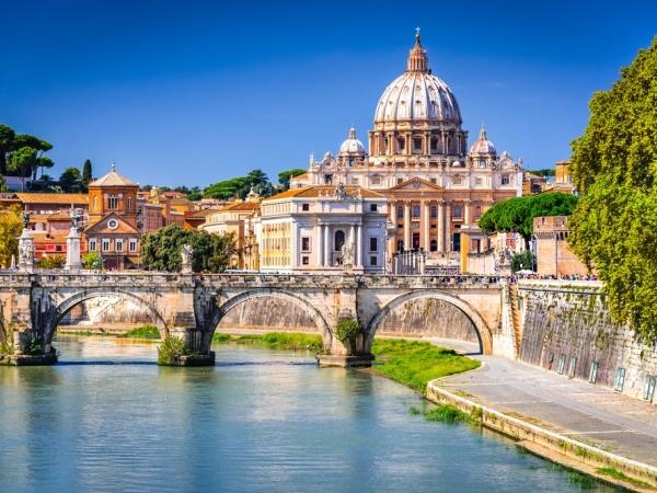 المسافرون العرب إلى روما
