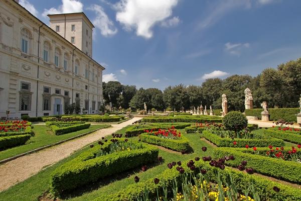 """حدائق فيلا """"بورغيزي"""" تعدُّ الأكثر قدمًا وكبرًا في إيطاليا"""