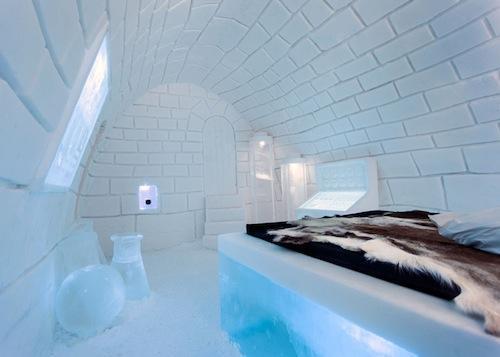 الفندق الجليدي