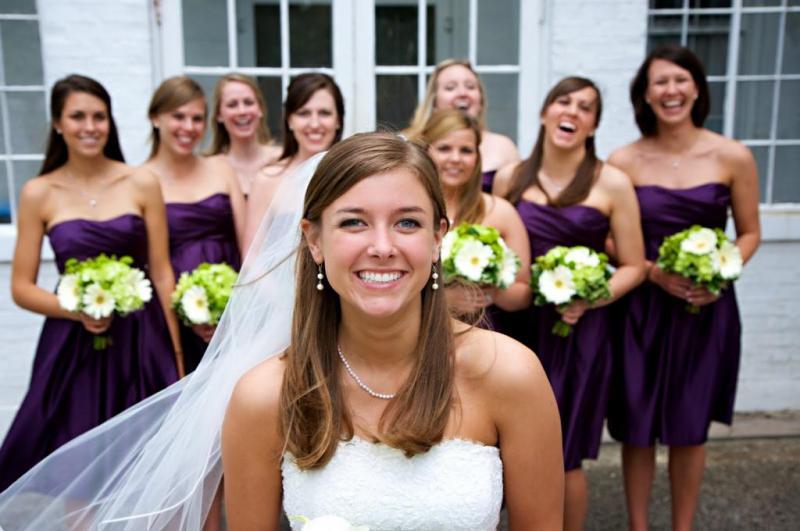 e20f1af0bada0  لا تفرطي في الكلام عن الزفاف  بالنسبة إلى محيطك، إنّها حفلة عادية. وإن لم  يكن زوجك على معرفة بـ العريس والعروس، فلن يأبه للأمر، وسيتصرّف بشكل طبيعي  كون ...