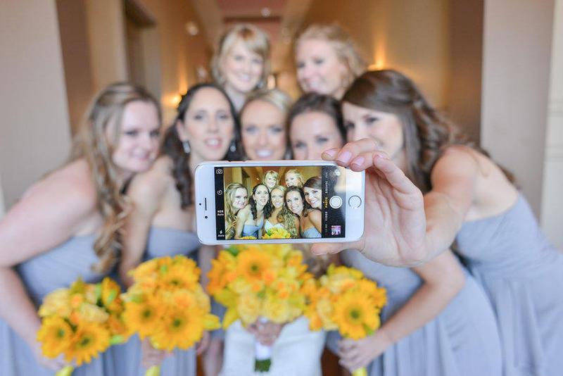 صديقات العروس والعريس