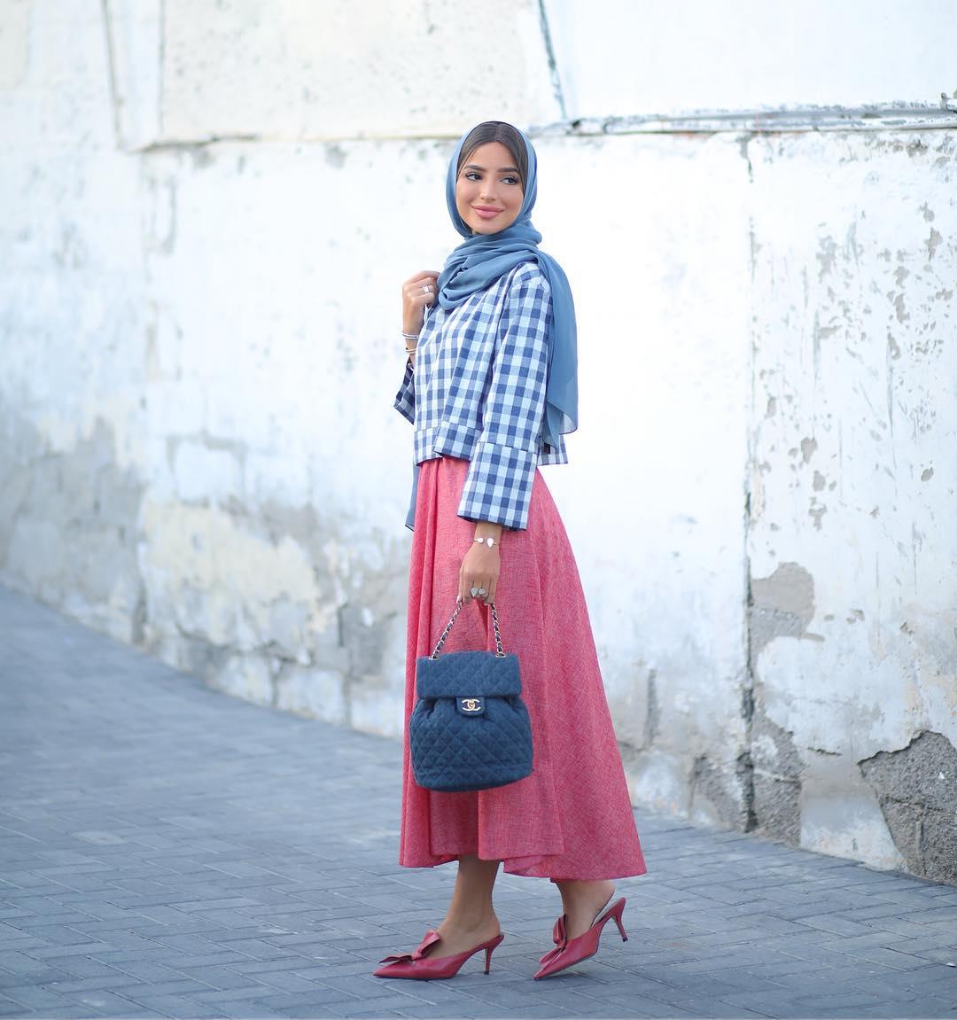 اطلالة مونوكروم  من وحي المدونة المحجبة فاطمة حسام
