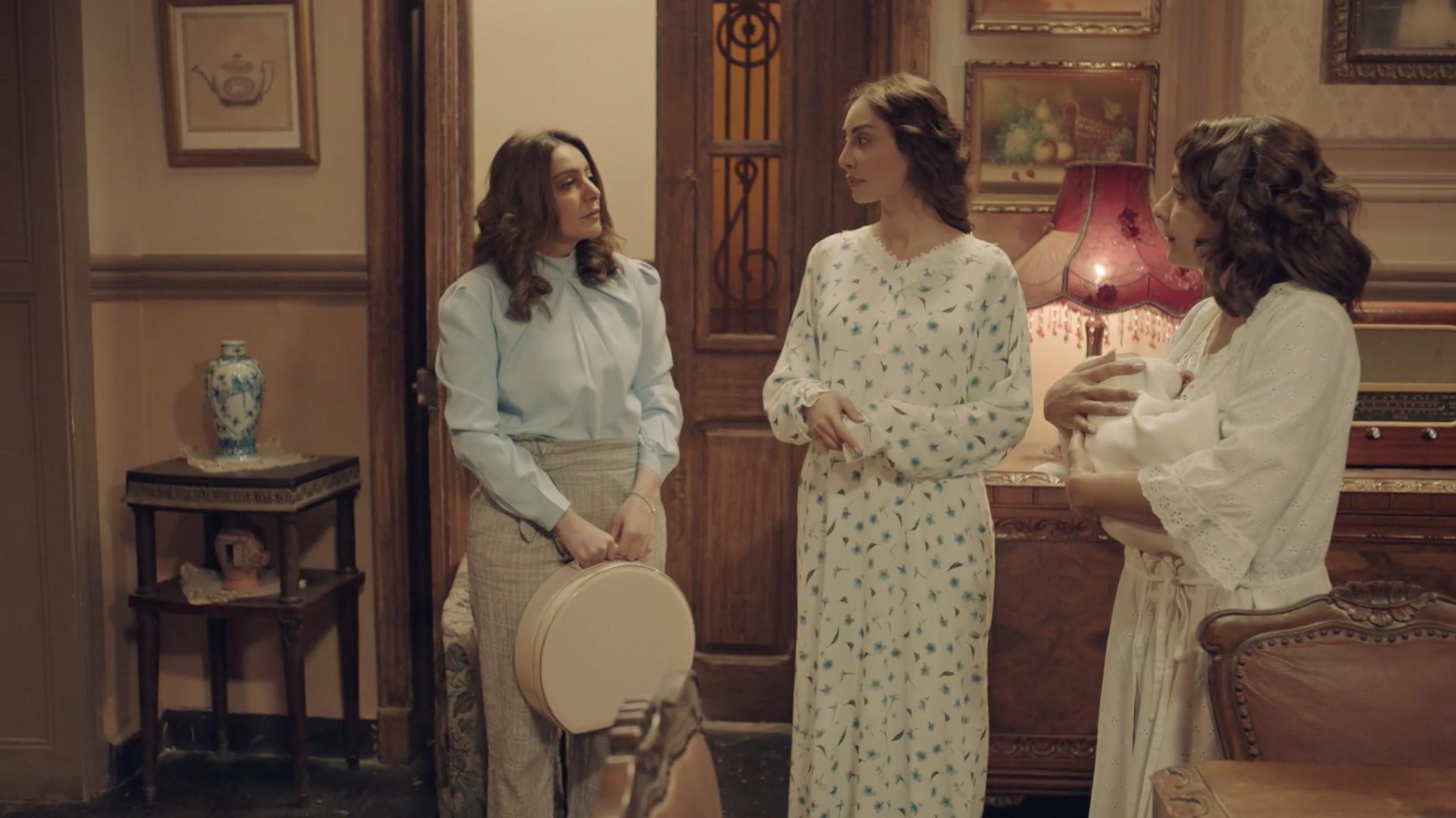 فاطمة الصفي ومرام البلوشي من مسلسل دفعة القاهرة