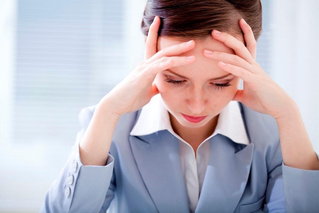 التهاب الجيوب الأنفية يسبب الصداع