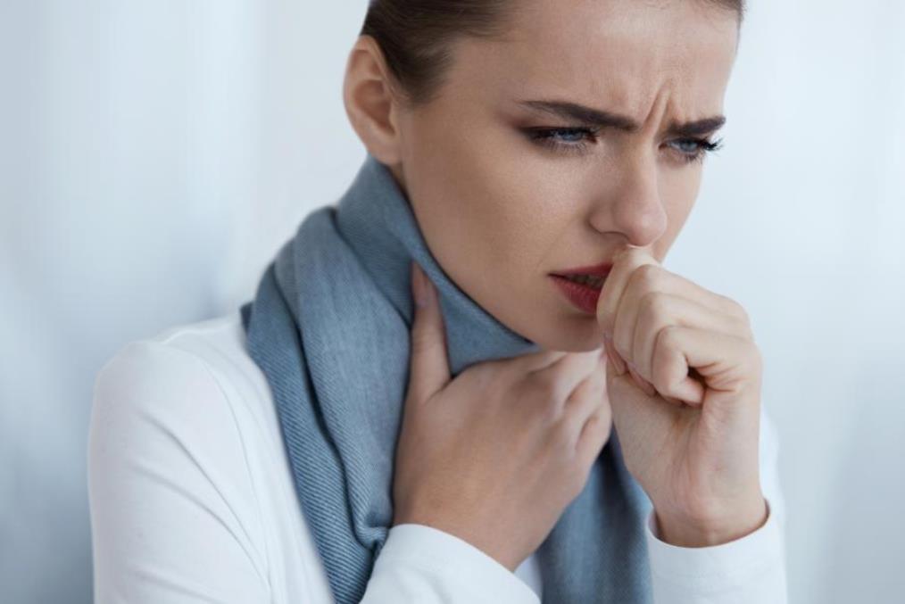 السعال الحادّ أحد أعراض الكورونا