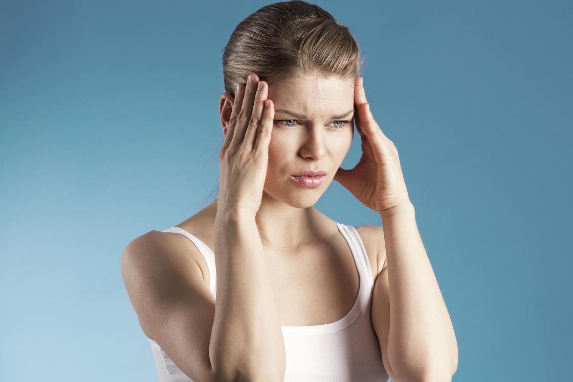 الم الرأس قد يصاحب الدورة الشهرية