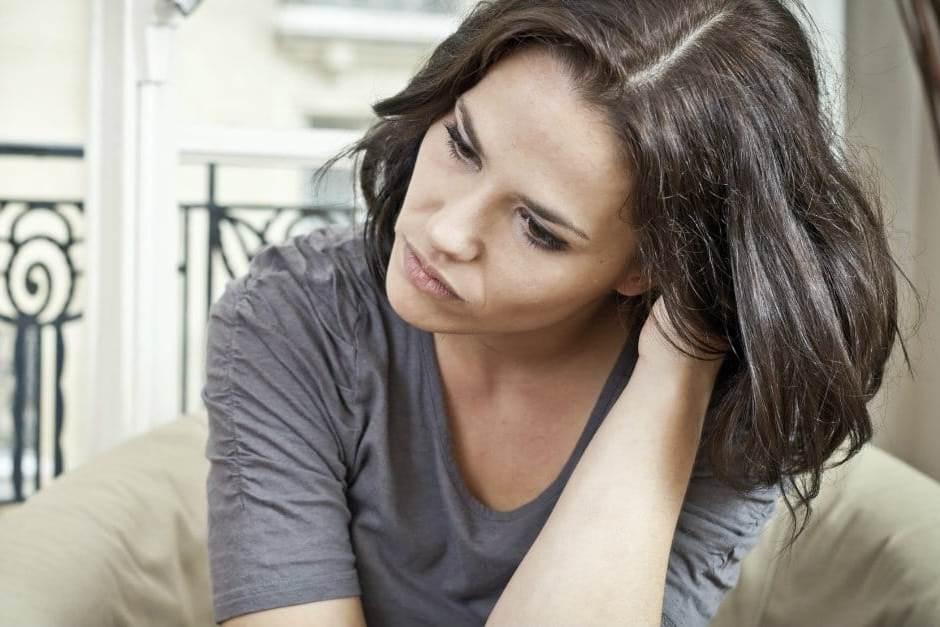 القلق واحد من أعراض فرط نشاط الغدة الدرقية