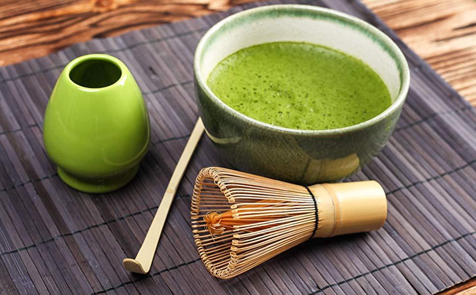 شاي الماتشا عبارة عن بودرة خضراء ناعمة